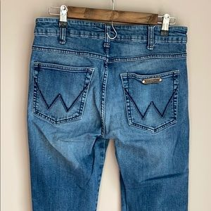 Wrangler Low Rise Slim Fit Jeans 32